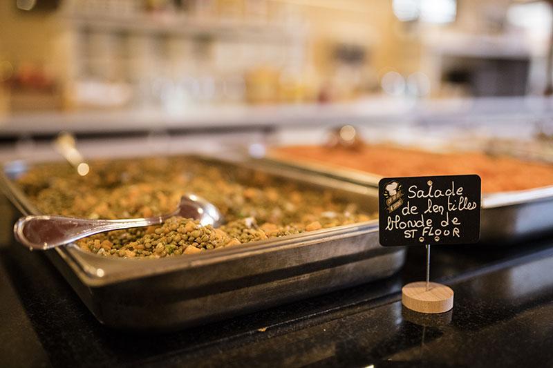 salade de lentilles restauration auvergne vacances été chataigneraie