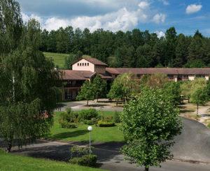 Réception extérieur Chataigneraie vacances d'été Cantal