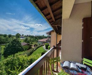 terrasse balcon chambre de la chataigneraie cantal