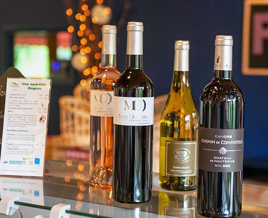 vin local d'auvergne servi à la Chataigneraie