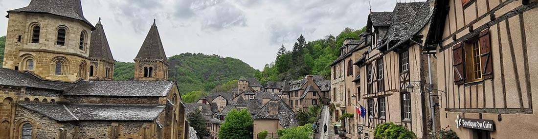 Paysage du Cantal à proximité de la chataigneraie village vacances Maurs